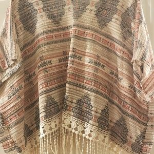 Almost Famous poncho style top size M